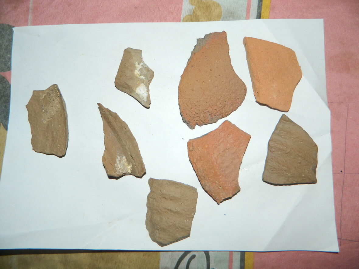 Pottery shards found at Abu Sidhum
